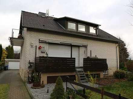 Günstige, modernisierte 3-Zimmer-EG-Wohnung mit Balkon und EBK in Alfeld (Leine) OT. Warzen