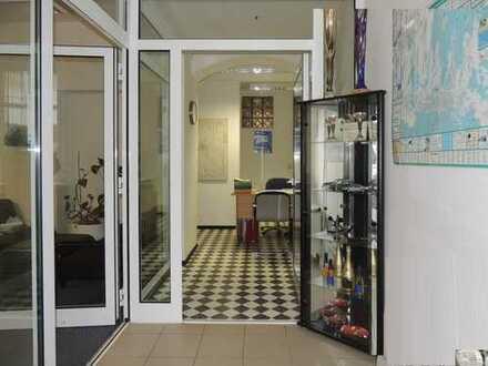 RESERVIERT - ehemaliges Büro zur Wohnung umbauen! 1670 W