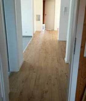 Ansprechende 2,5-Zimmer-DG-Wohnung mit Balkon und EBK in Gruibingen