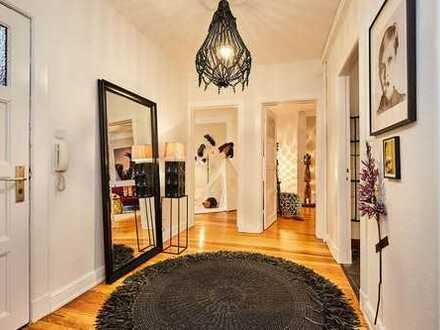 Stilvolle Drei- Zimmer- Altbauwohnung in zentraler und ruhiger Lage