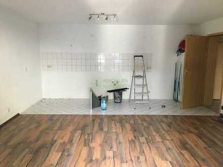Sehr schöne 2-Raum-Wohnung im amerikanischen Wohnstil und mit Balkon in 01877 Schmölln zu vermieten!
