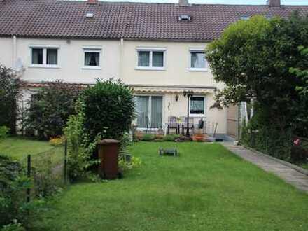 Doppelhaushälfte komplett saniert mit schönem Garten in Lechhausen