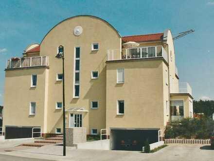 Kapitalanlage - vermietete 2-R-Wohnung mit Wintergarten & kleinem Garten in CB- Döbbrick