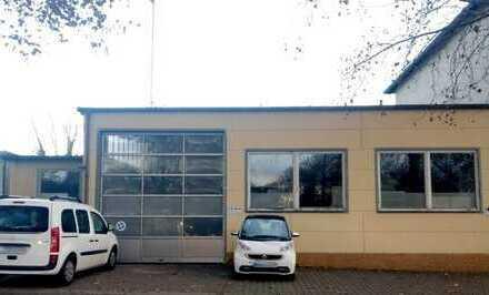 Halle (168 qm) mit Sozialraum/Küche (24 qm) und Büros (84 qm)