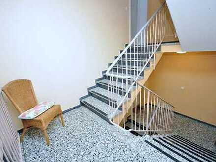 Großzügige Wohnung mit Balkon – wurde für Sie fertig renoviert!
