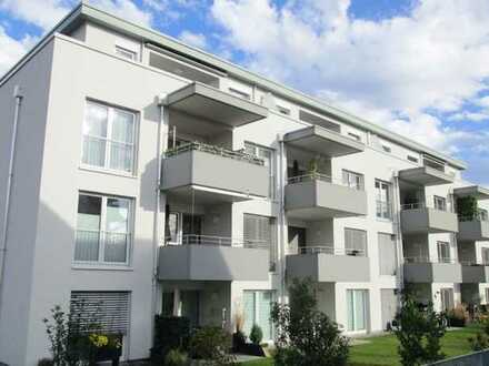 Exklusive, neuwertige 4,5-Zimmer-Terrassenwohnung mit Tiefgarage und EBK in Gottmadingen