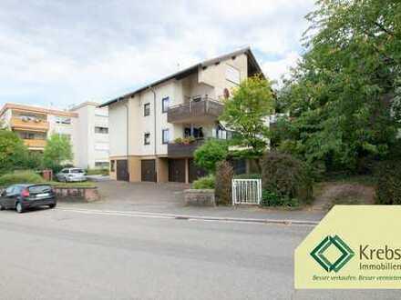 Toller Ausblick:  3-Zimmer-Dachgeschosswohnung mit Balkon und Garage