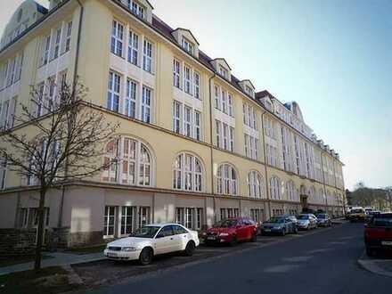 Gepflegte 2-Raum-Wohnung mit Einbauküche in Auerbach/Vogtland