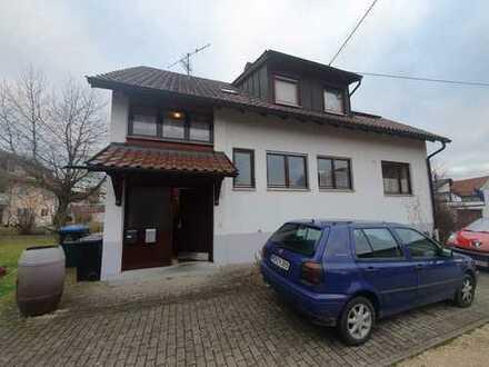 Attraktive 3,5-Zimmer-EG-Wohnung mit Balkon und Einbauküche in Hermaringen
