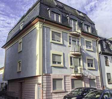 Lichtdurchflutete Maisonette Wohnung im Herzen von Niederrad