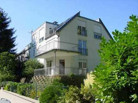 Schöne, helle 4-Zimmer-EG-Wohnung mit Burgblick in Parknähe