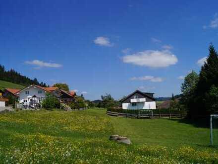 Ein guter Grund für Ihr Eigenheim - Großzügiges vollerschlossenes Grundstück nahe Oberstaufen