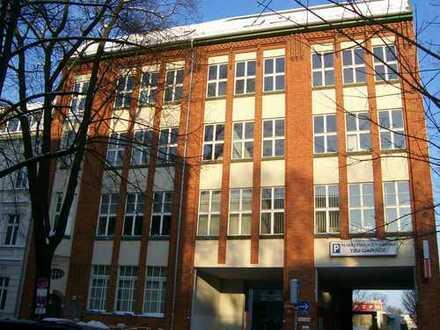 Kleine Büro-bzw. Praxisfläche im Zentrum von Adlershof zu vermieten