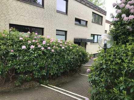 Schöne, geräumige fünf Zimmer Wohnung in Hamburg, Blankenese