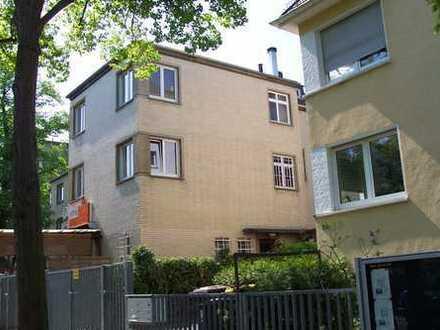 4 ZW, 120 m² in Frankfurt-Sachsenhausen/Mühlberg im 2. OG, (WG 3)