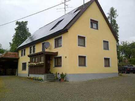 Wohnhaus mit Gewerbehallen für Handwerker oder Bastler