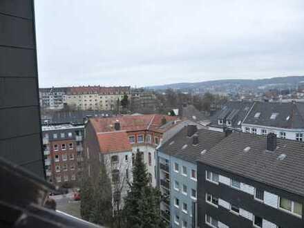 Gepflegte 1-Zimmer-Dachgeschosswohnung mit Einbauküche und Empore in Wuppertal, nähe City Barmen