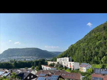 Freundliche, neuwertige 2,5-Zimmer-Wohnung mit gehobener Innenausstattung zur Miete in Geislingen
