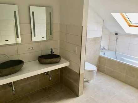 Frisch sanierte 3-Zimmer Wohnung mit Dusche und Badewanne in Wuppertal-Wichlinghausen !