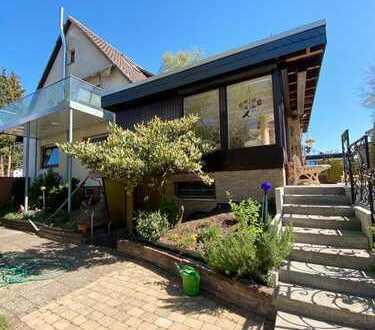 Großes Zweifamilienhaus in herrlicher Lage von Hannover-Lahe