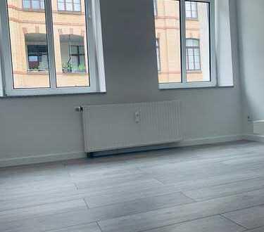 Provisionsfrei! Direkt vom Eigentümer! Renovierte 2-Zimmer-Wohnung in guter Lage!