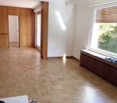 +++Renovierte großz. 3,5-Zi.-Wohnung mit Südbalkon in Wellinghofen+++