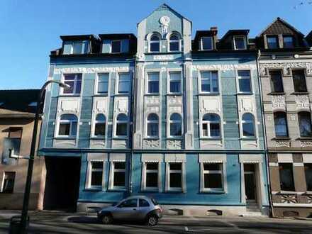 Schöne DG-Wohnung mit Balkon - KEINE KAUTION!
