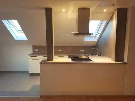 Erstbezug: attraktive 3-Zimmer-DG-Wohnung mit Einbauküche direkt vom Eigentümer