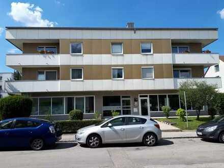 Laden oder Büro in gepflegtem Wohn- und Geschäftshaus - auch als Anlageobjekt - Germering