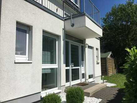 Sonnendurchflutete, neuwertige 4-Zimmer-Wohnung mit Garten, Kaminofen und Einbauküche in Odenthal