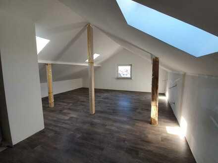 Erstbezug nach Sanierung: helle Doppelhaushälfte mit 4-Zimmern in Waldbronn
