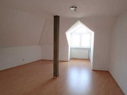 3 Zimmer Wohnung Nähe AOK mit Balkon