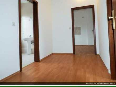 ++ Frisch renovierte 2-Zimmer-Wohnung im ruhigen 3-Familienhaus! ++