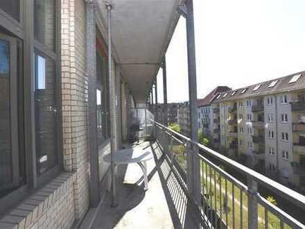 Familien aufgepasst!!!Großes Loft mit großem Balkon in Parknähe in Lichtenberg.