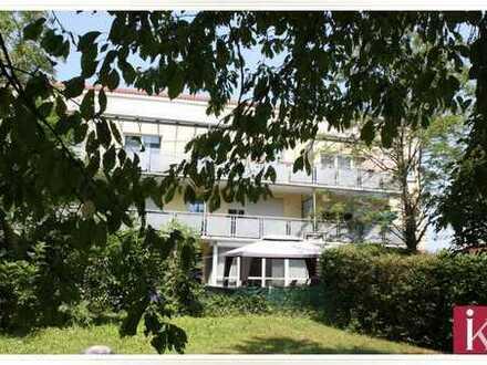 Geräumige 3 Zimmer EG-Whg. mit Terrasse, Garten, ausgebautem Hobbyraum und TG
