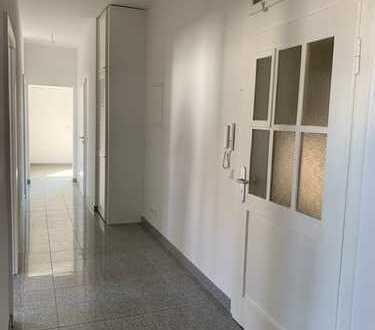 Sehr schöne kernsanierte 3-Zimmer-Altbauwohnung in KA-Grünwinkel