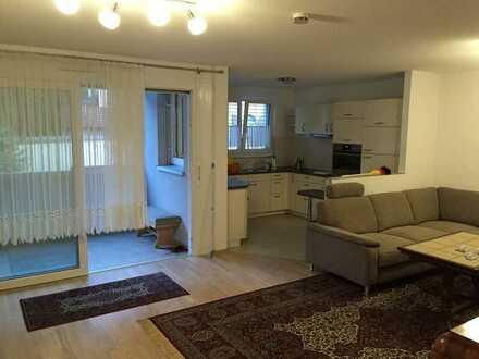 Schöne hochwertige 2-Zimmer-Wohnung mit Balkon und Einbauküche in Jestetten