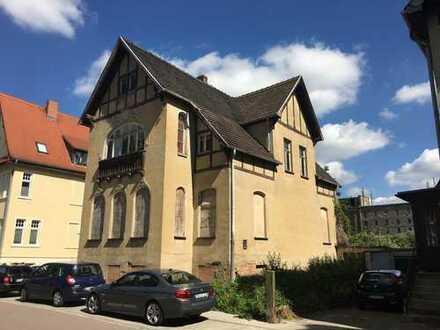 Sanierungsbedürftiges Wohnhaus in traumhafter Lage zur Saale am Rand der Innenstadt von Bernburg
