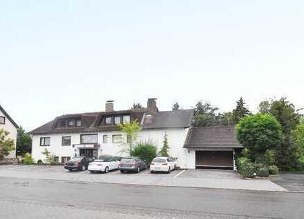 Kaisersesch: Großes, gepflegtes Wohn-/ Geschäftshaus mit parkähnlichem Grundstück in bester Lage