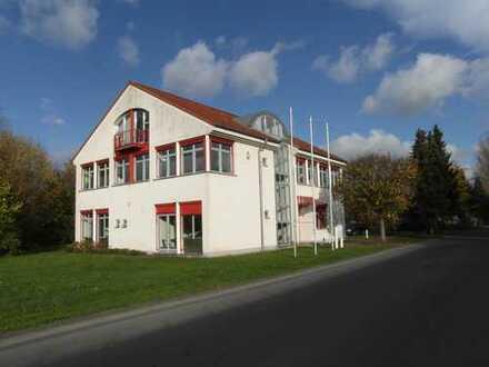IM GRÜNEN - Nachmieter / in - Praxis - Physio - Büro .. gesucht