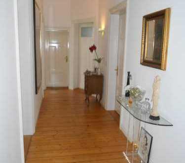Exklusive, gepflegte 4-Zimmer-Wohnung in Premiumlage
