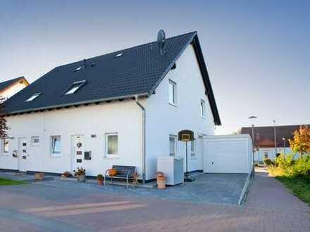 Große Doppelhaushälfte mieten oder mit Baukindergeld und/oder Eigenleistung für weniger kaufen