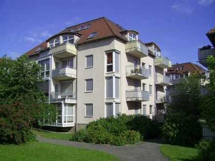 (8/12) Helle und Große 1 Raum-Wohnung (41m²), ideal für Singles, mit EBK !