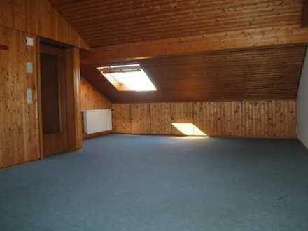 Urgemütliche Dachgeschosswohnung mit viel Stauraum