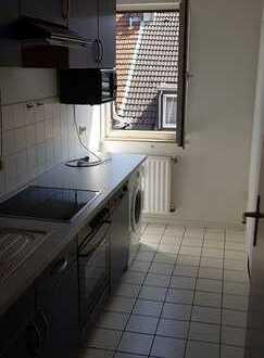 Schöne, renovierte 3 Zimmer-Wohnung mit Einbauküche direkt in Stadtmitte!!!