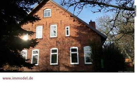Ruhiges Wohnen in modernisierter Wohnung im Bauernhaus