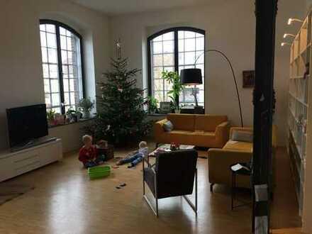 Preiswerte, geräumige und neuwertige 3-Zimmer-Loft-Wohnung mit Balkon in Düren (Kreis)