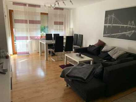 Gepflegte 3-Zimmer-Wohnung mit Terrasse + kleinem Garten und Einbauküche in Bönnigheim - Hofen