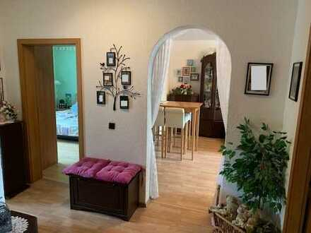 Eving: sonnige 3,5-Zi.-Wohnung mit stufenlosen Zugang durch Aufzug! Küche inklusive.