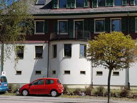 Gepflegte Wohnung mit vier Zimmern sowie Balkon und Einbauküche in Lenzkirch